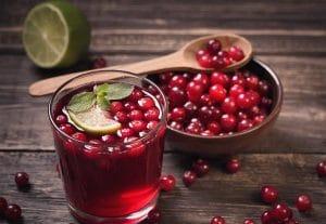 Как избавиться от вшей с помощью клюквенного сока