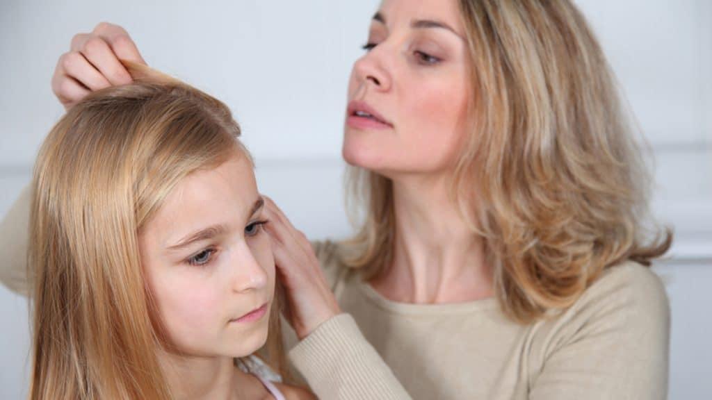 Как вывести вшей с длинных волос у ребенка